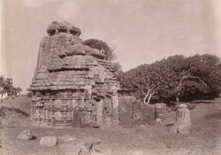 General view of an abandoned temple at Manik Chak, Chilka Lake, Puri District 1003365